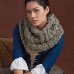 Outlander crochet cowl free crochet pattern.