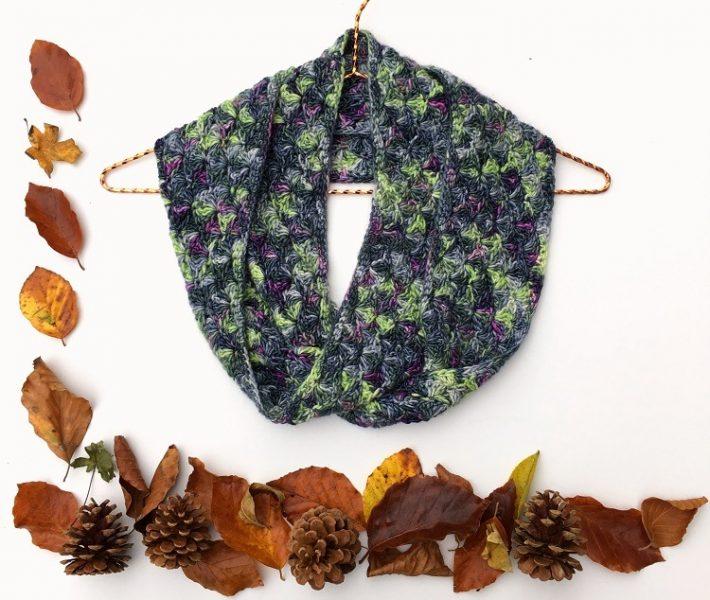 autumn crocheted cowl