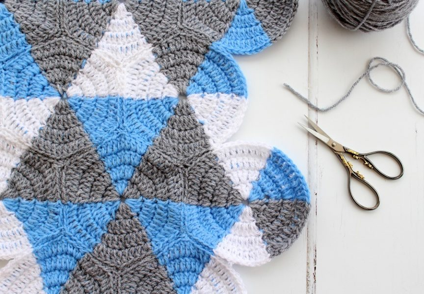 3 colour triangles, hexagons and circles crochet blanket.