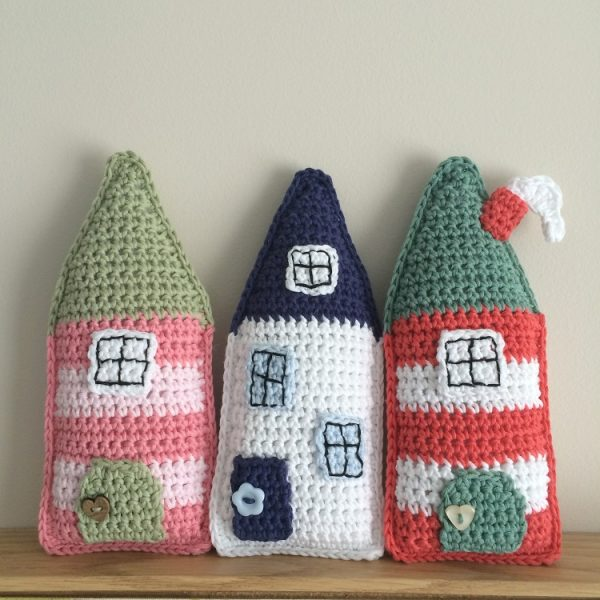 crochet houses flo and dot