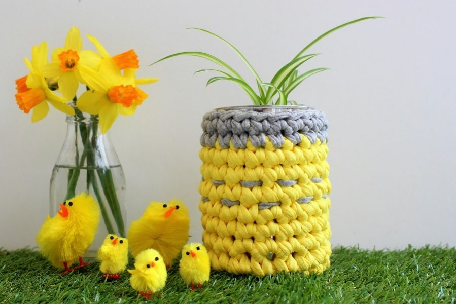 A cute easter gift without chocolate a simple diy idea for you crochet plant pot holder easter gift idea negle Choice Image
