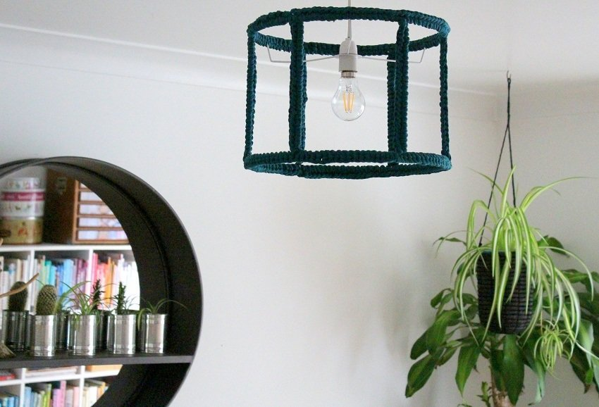 How to make a 'Ghost' Crochet Lampshade plus Video Tutorial.