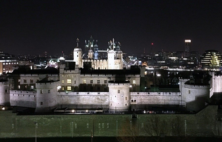 tower of london night view
