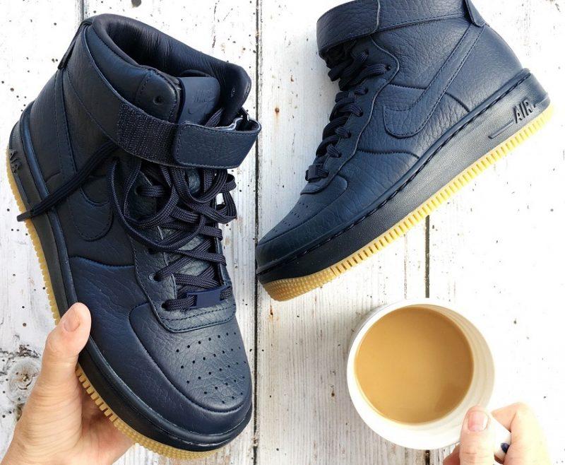 Nike air force ones in Navy