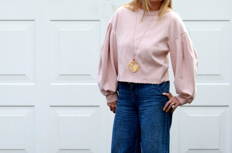 Cropped Jeans how to style them 3 ways.