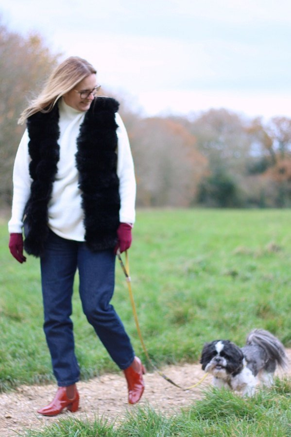 Black faux fur gilet worn by lazy daisy jones