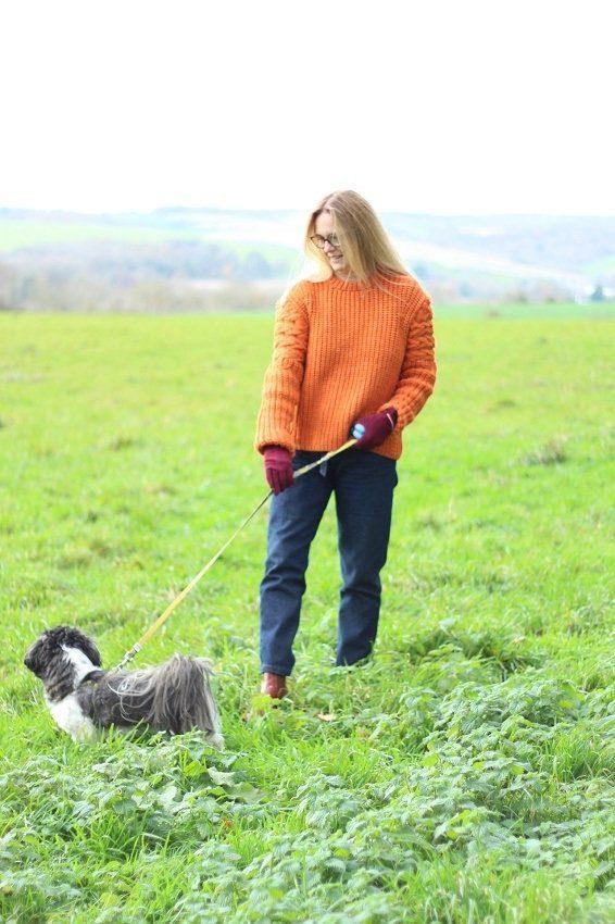 week 13 lazy daisy jones River island orange knitwear walking the dog