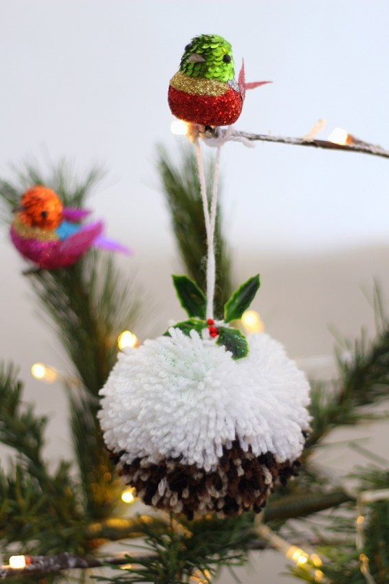 How to Make a Christmas Pudding Pompom with Video