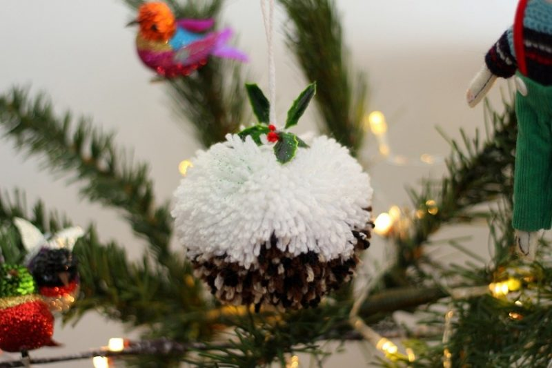 How to Make a Christmas Pudding Pompom with Video by lazy daisy jones