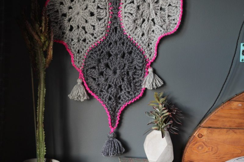 How to make a Modern Crochet Wall Hanging