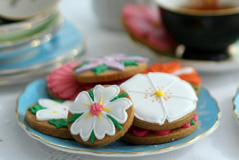 Flowers or Biscuiteers for Mothers Day? Both please!
