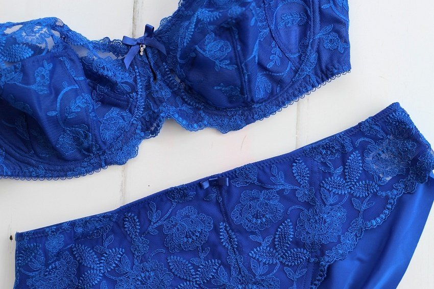 A Rare Glimpse of my Fantasie Lingerie by lazy daisy jones