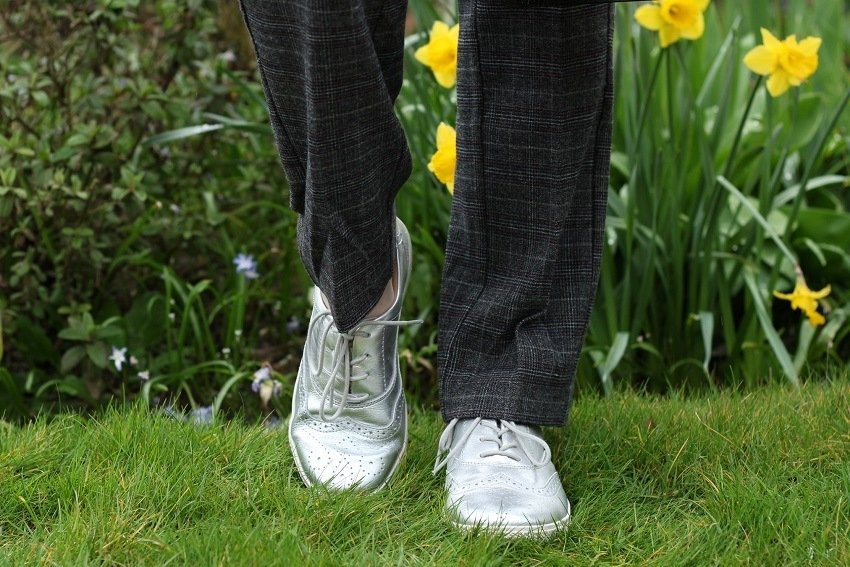 3 Ways to Wear Silver Shoes Casual, Smart & Classic