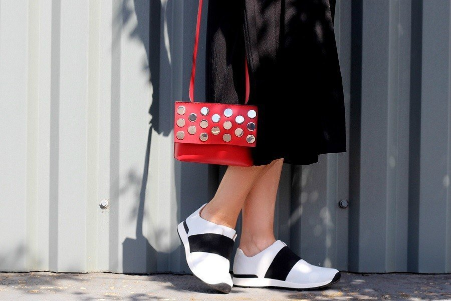 Never too old for trends! belt bags & trainers