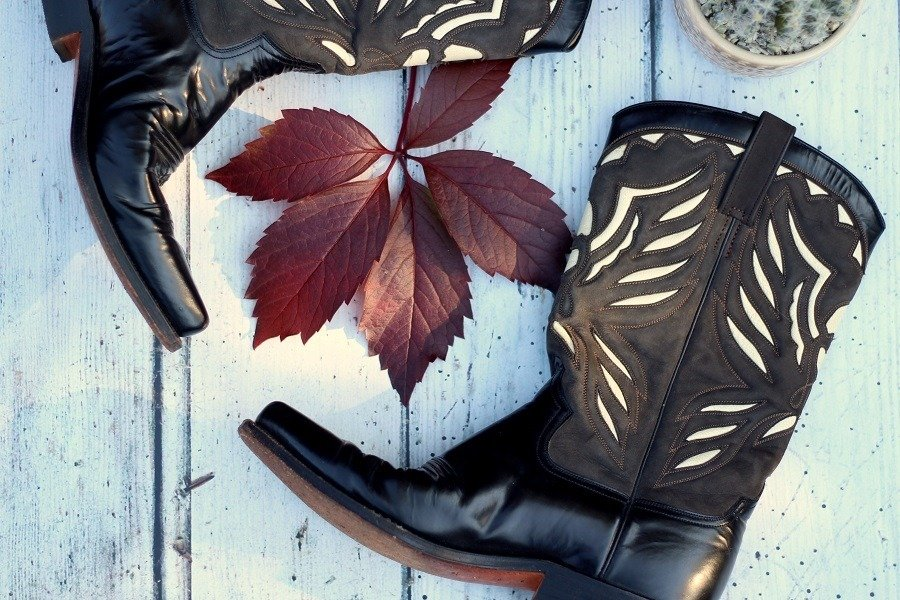 vintage cowboy boots & Fashion News Tales & Snippets #1