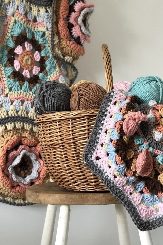 Casa Kahlo crochet blanket alternate colour palette