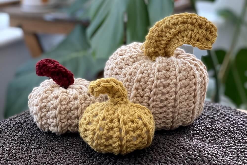 how to make crochet pumpkins